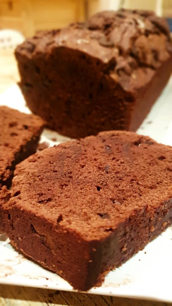 bizcocho de chocolate con escamas de sal