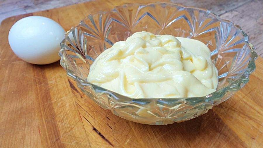 Mayonesa fit con huevo cocido